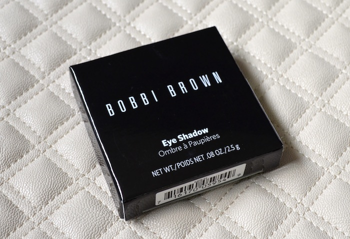 a132a3ffed3 For some time, the Bobbi Brown Dark Brow Kit was out of stock in several of  the brand's counters in Singapore. I made trips to the outlets at Ion  Shopping ...