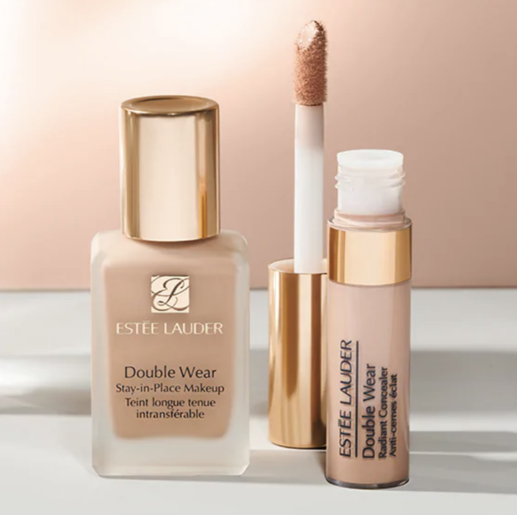 Estee Lauder Double Wear Stay-in-Place Makeup Close Up