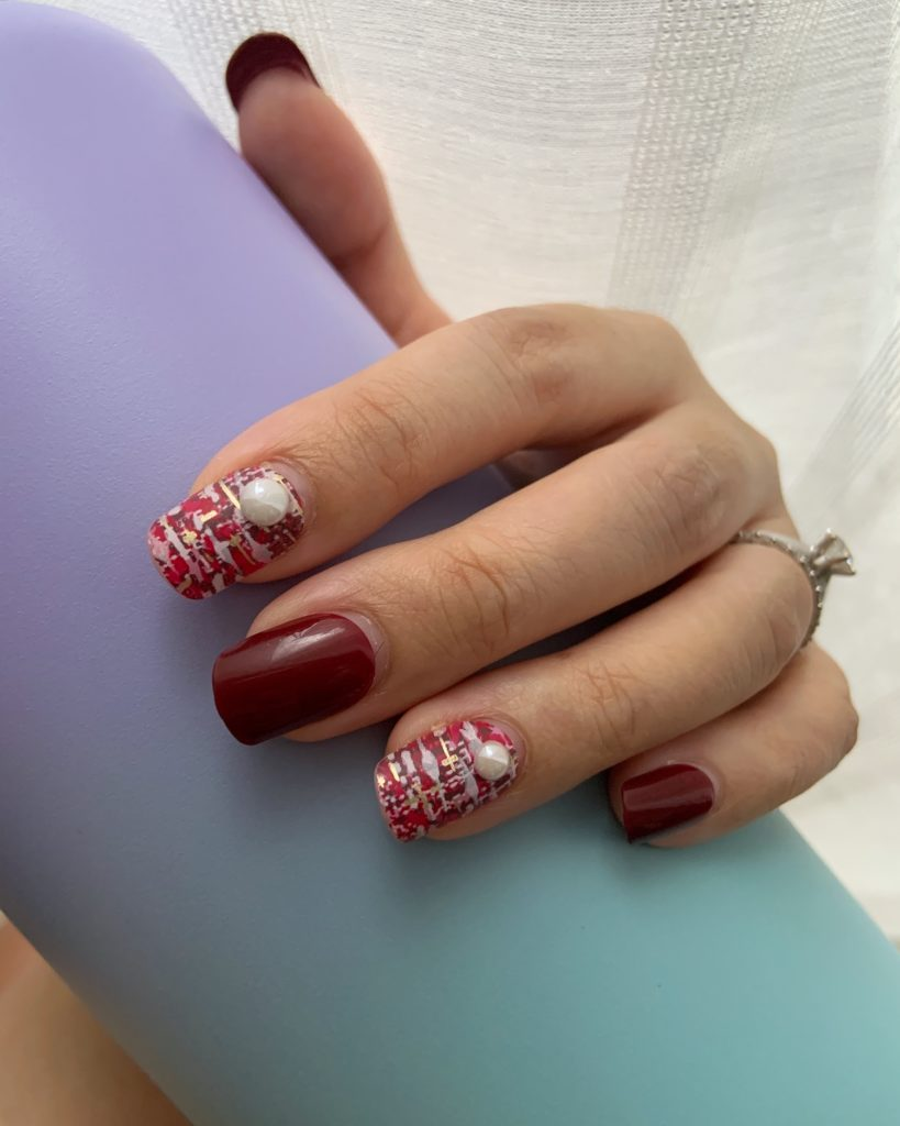 Dashing Diva Magic Press Labien Tweed Press-On Nails